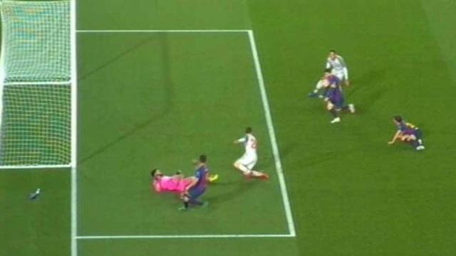 Barcelona 3-0 Liverpool: Cú đúp của Messi - 6
