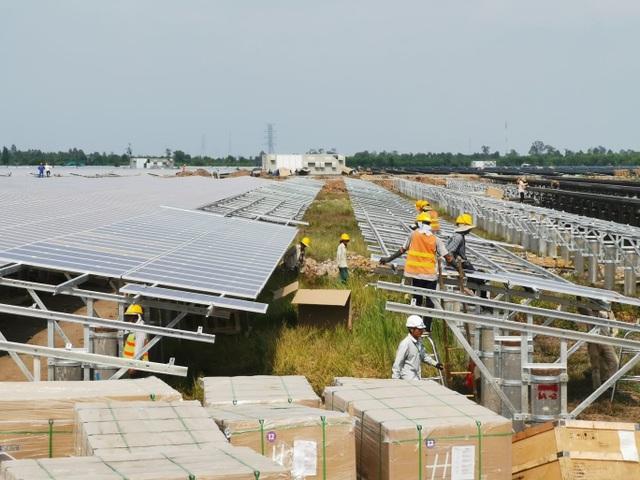 Bất cập của Luật Quy hoạch: Hàng loạt dự án điện sạch đứng trước nguy cơ mất ưu đãi - 1