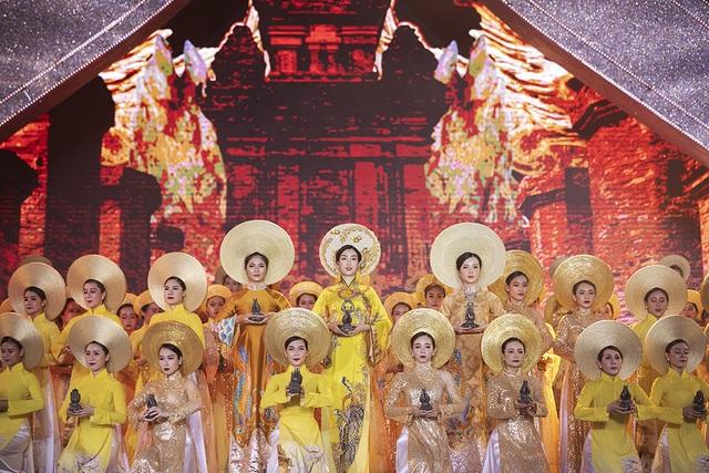 Lễ dâng Trầm huyền dịu qua bàn tay tổng đạo diễn Hoàng Nhật Nam - 6