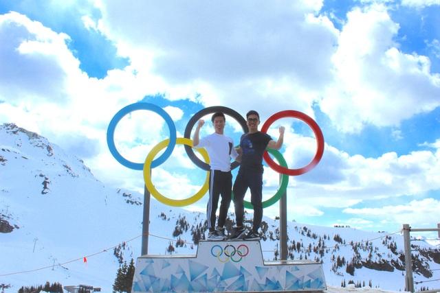 Quốc Cơ - Quốc Nghiệp mình trần diễn xiếc trên núi tuyết ở Canada - 6