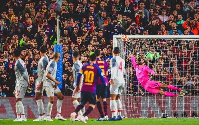 Messi nói gì sau khi chạm mốc 600 bàn thắng cho Barcelona? - 1
