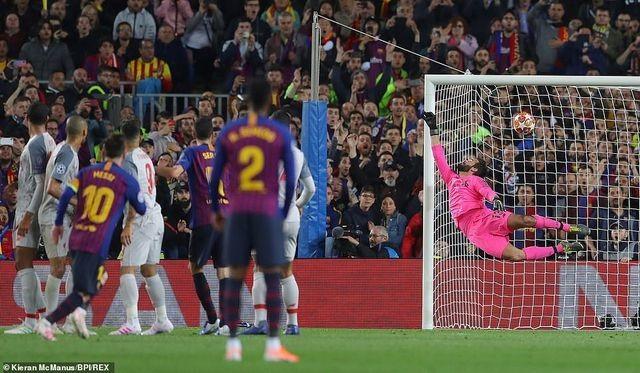 Van Dijk quá tầm thường trong cuộc chiến cá nhân với Messi - 2