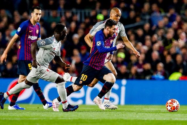 Lionel Messi: Người khổng lồ trong khuôn hình tí hon - 2