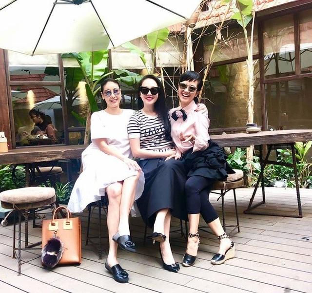 Tình bạn đáng ngưỡng mộ của diva Hồng Nhung và Hoa hậu Hà Kiều Anh - 14