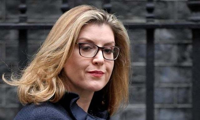 Bộ trưởng Quốc phòng Anh mất chức vì rò rỉ thông tin về Huawei - 2