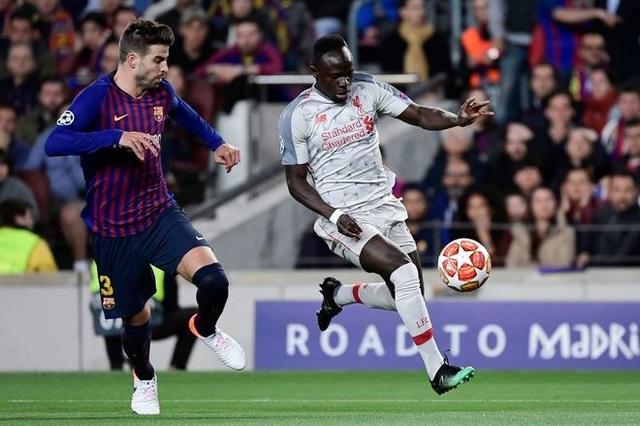 Barcelona 3-0 Liverpool: Cú đúp của Messi - 23