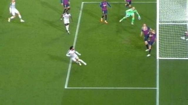 Barcelona 3-0 Liverpool: Cú đúp của Messi - 2