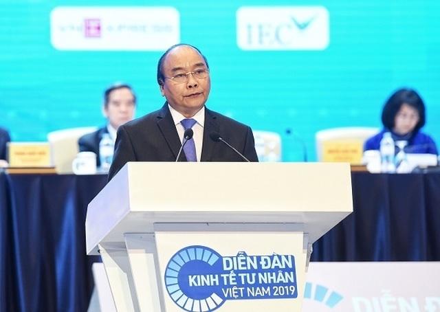 Thủ tướng: Việt Nam chỉ hùng mạnh khi doanh nghiệp tư nhân có thể cạnh tranh toàn cầu - 1