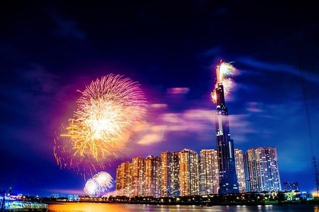 Choáng ngợp màn pháo hoa mãn nhãn từ toà tháp cao nhất Đông Nam Á. - 3