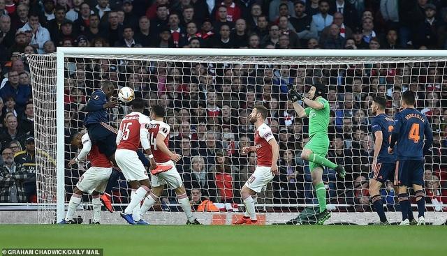 Arsenal 3-1 Valencia: Cú đúp của Lacazette - 2