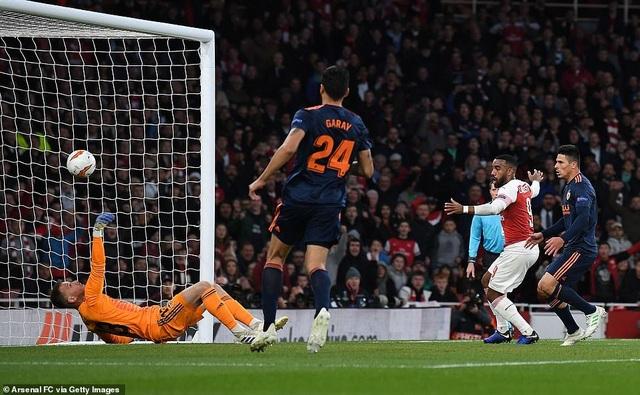 Arsenal 3-1 Valencia: Cú đúp của Lacazette - 3