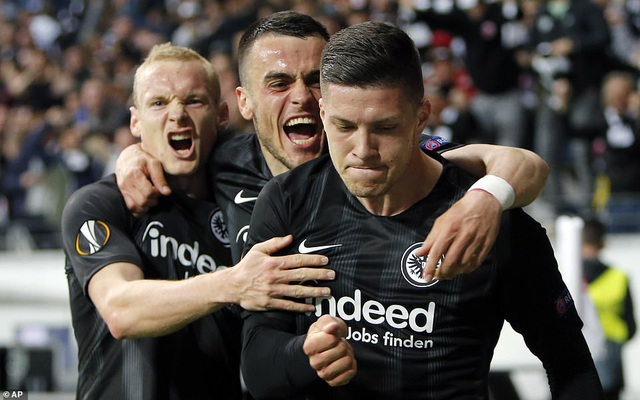 Hòa trên sân Frankfurt, Chelsea giành lợi thế ở bán kết Europa League - 2
