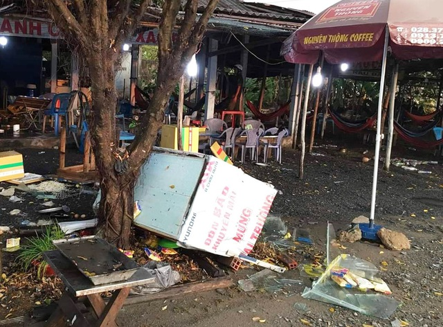 Kiểm tra toàn bộ các quán ăn ven đường sau vụ khách bị đánh toác đầu - 3