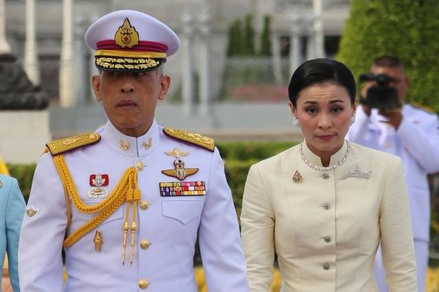 Những con số choáng ngợp về lễ đăng cơ của Quốc vương Thái Lan - 1