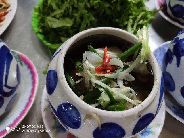 """Kỳ lạ món """"đèn pha đại dương"""", trông thì ghê nhưng ăn lại mê ở Phú Yên - 3"""
