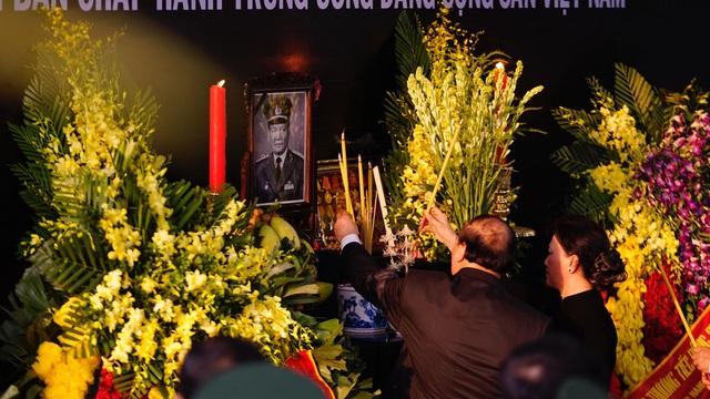Lễ an táng Đại tướng, nguyên Chủ tịch nước Lê Đức Anh - 12