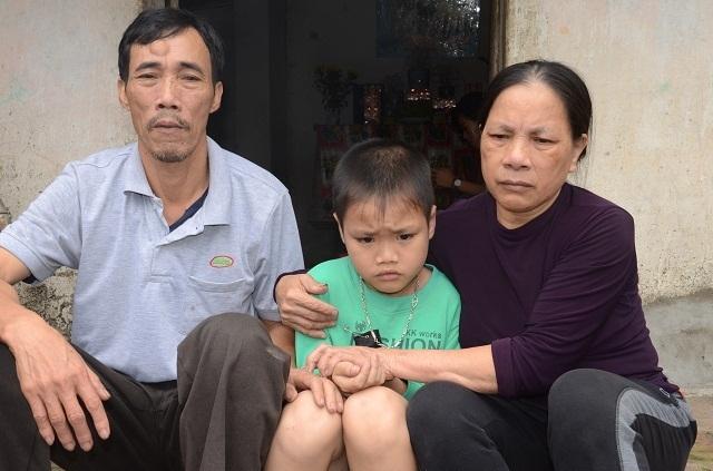 Hai bà cháu rau cháo nuôi nhau sau vụ tai nạn cướp đi sinh mạng bố mẹ bé 8 tuổi - 12