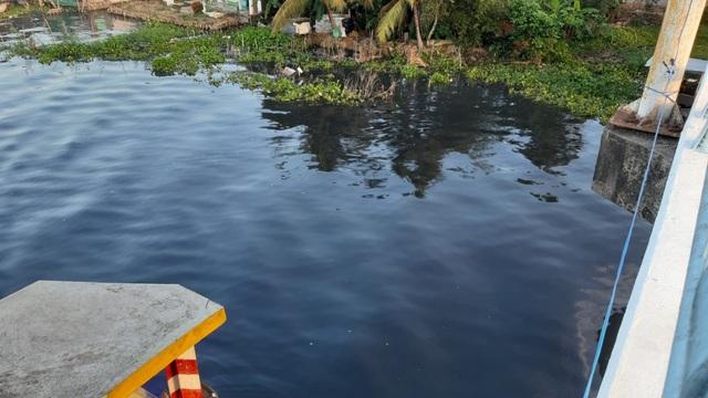 Vụ nước sông đen ngòm: Thủ phạm là một công ty mía đường - 1