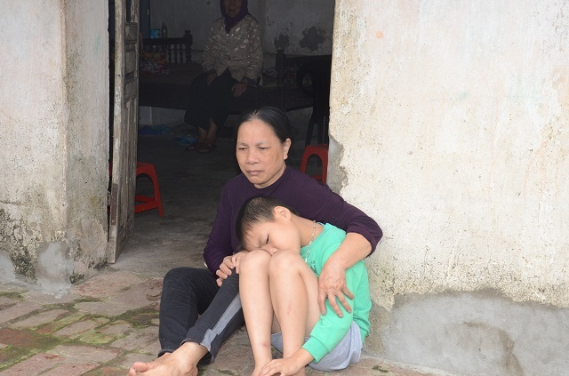 Hai bà cháu rau cháo nuôi nhau sau vụ tai nạn cướp đi sinh mạng bố mẹ bé 8 tuổi - 19