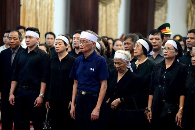 Đông đảo lãnh đạo, nhân dân miền Nam đến tiễn đưa nguyên Chủ tịch nước Lê Đức Anh - 3