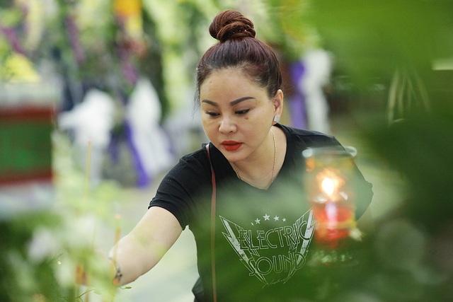 Trấn Thành cảm thấy có lỗi vì đã không đến thăm Lê Bình khi ông nằm viện - 23