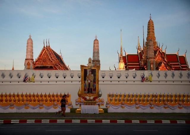 Những con số choáng ngợp về lễ đăng cơ của Quốc vương Thái Lan - 3