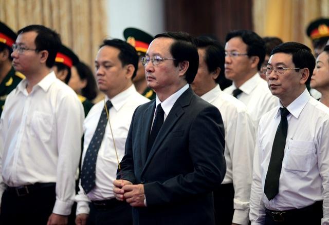 Đông đảo lãnh đạo, nhân dân miền Nam đến tiễn đưa nguyên Chủ tịch nước Lê Đức Anh - 9