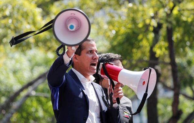 Mỹ tìm cách rót tiền cho thủ lĩnh đối lập để lật đổ tổng thống Venezuela - 1