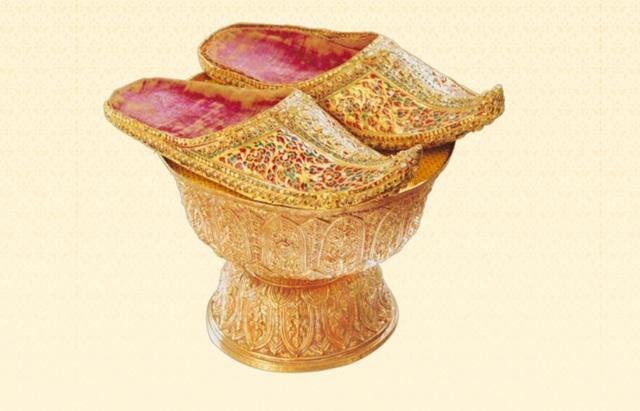 5 báu vật hoàng gia được trao trong lễ đăng cơ của Quốc vương Thái Lan - 6