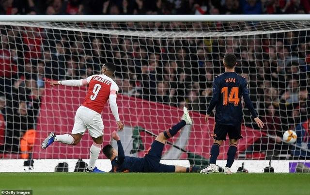 Arsenal 3-1 Valencia: Cú đúp của Lacazette - 8