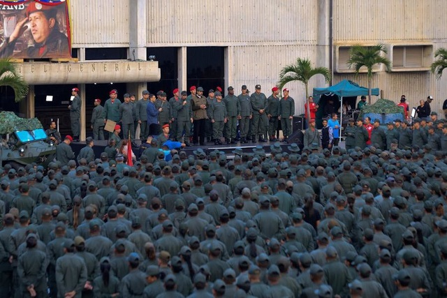 Venezuela ra trát bắt giữ thủ lĩnh tinh thần của phe đối lập sau đảo chính bất thành - 3