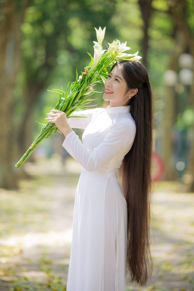 Ngẩn ngơ trước vẻ xinh đẹp của nữ sinh Văn hóa sở hữu mái tóc dài 1m35 - 4