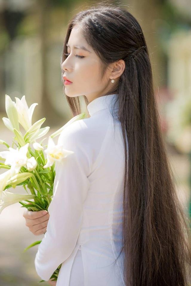 Ngẩn ngơ trước vẻ xinh đẹp của nữ sinh Văn hóa sở hữu mái tóc dài 1m35 - 5
