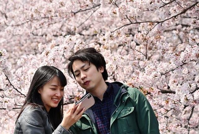 Giới trẻ Nhật Bản: Không hôn nhân, không tình dục và khủng hoảng còn trinh - 1