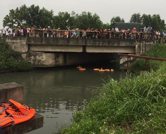 Giận bố mẹ, nữ sinh lớp 8 dựng hiện trường giả nhảy sông tự tử - 1