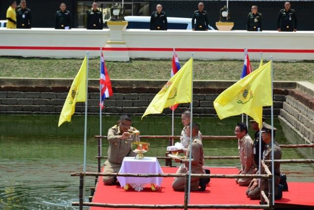 Những con số choáng ngợp về lễ đăng cơ của Quốc vương Thái Lan - 4