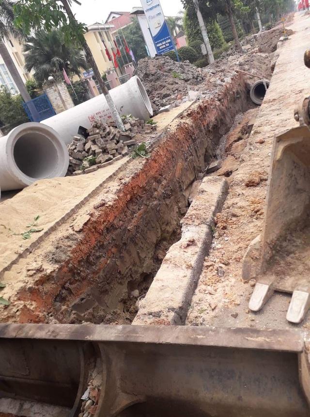 1 công nhân tử nạn khi đào ống nước - 1