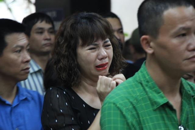Nghẹn ngào tiễn biệt cô giáo bị xe Mercedes tông tử vong ở hầm Kim Liên - 5