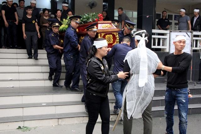 Nghẹn ngào tiễn biệt cô giáo bị xe Mercedes tông tử vong ở hầm Kim Liên - 16