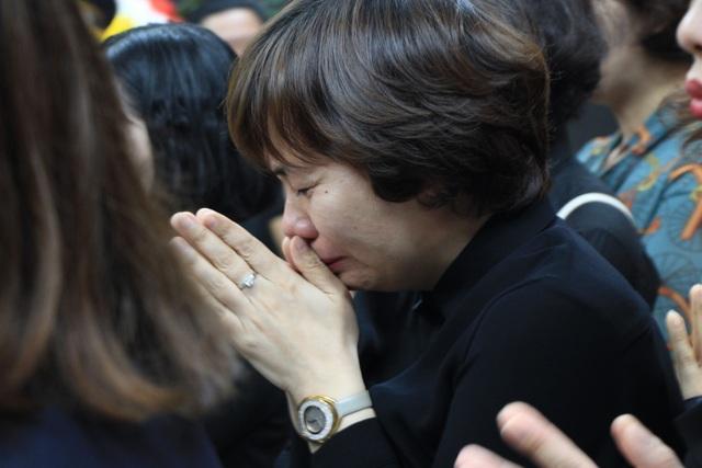Nghẹn ngào tiễn biệt cô giáo bị xe Mercedes tông tử vong ở hầm Kim Liên - 6