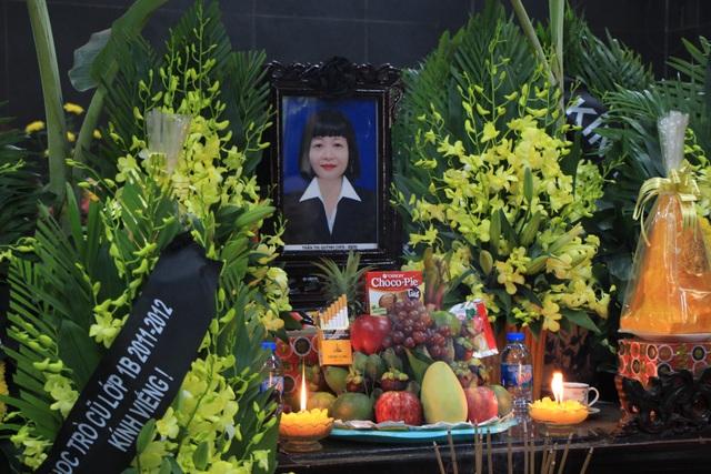 Nghẹn ngào tiễn biệt cô giáo bị xe Mercedes tông tử vong ở hầm Kim Liên - 2