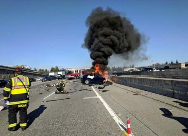 Tesla lại bị kiện vì hệ thống lái tự động - 2