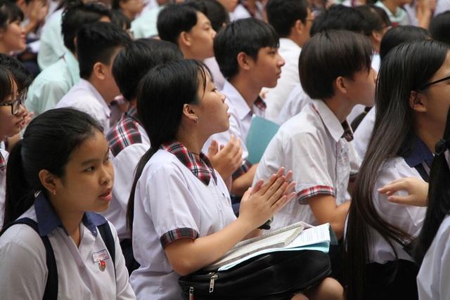 """Chỉ khoảng 17.000 học sinh TPHCM sẽ """"rớt"""" lớp 10 công lập - 1"""