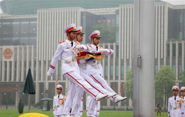 Nghi thức treo cờ rủ Lễ Quốc tang Đại tướng Lê Đức Anh - 1