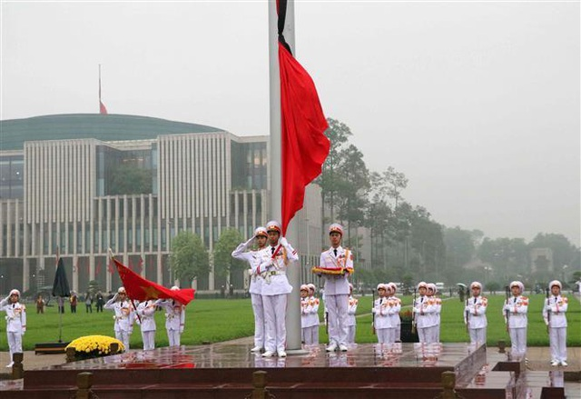 Nghi thức treo cờ rủ Lễ Quốc tang Đại tướng Lê Đức Anh - 5