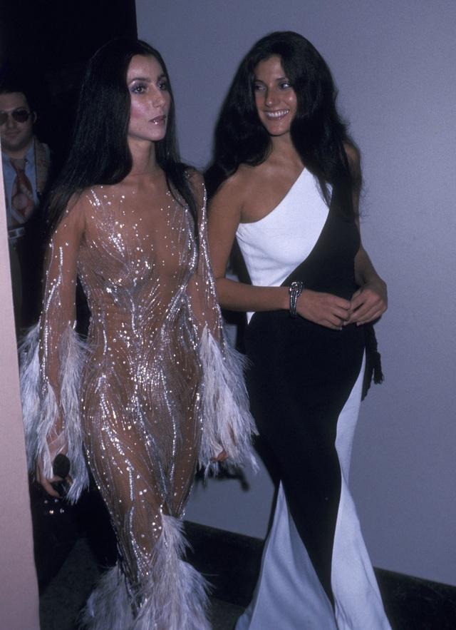 """Những bộ đầm táo bạo nhất từng xuất hiện tại """"đại tiệc thời trang"""" Met Gala - 1"""