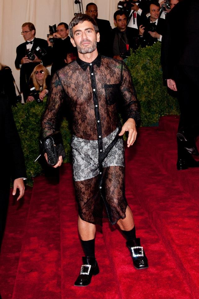 """Những bộ đầm táo bạo nhất từng xuất hiện tại """"đại tiệc thời trang"""" Met Gala - 6"""