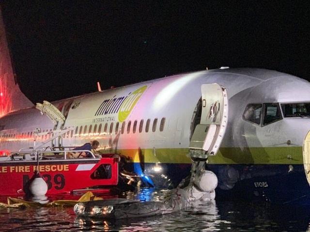 Hành khách kể giây phút máy bay Mỹ chở 143 người lao xuống sông - 2