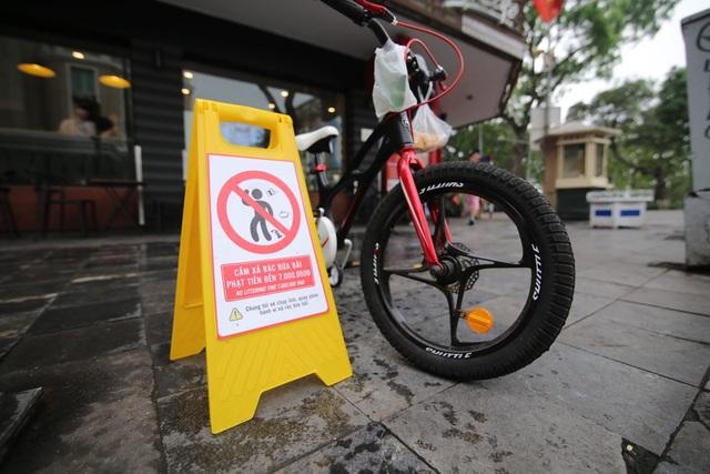 Hà Nội: Ghi hình người xả rác trên phố đi bộ để xử phạt - 3