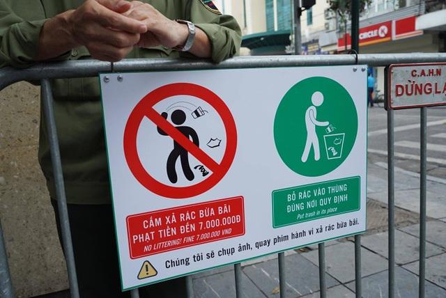 Hà Nội: Ghi hình người xả rác trên phố đi bộ để xử phạt - 4
